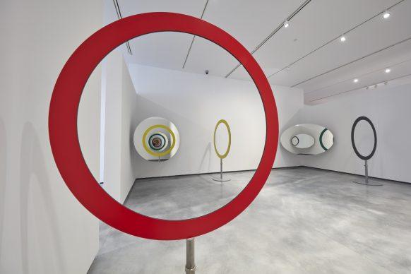 Echo Activity, 2017, Olafur Eliasson. © Joaquín Cortés / Helga de Alvear Museum