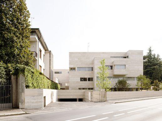 Álvaro Siza + COR Arquitectos, Residencial Complex in Gallarate. Photo ©Francesca Ióvene