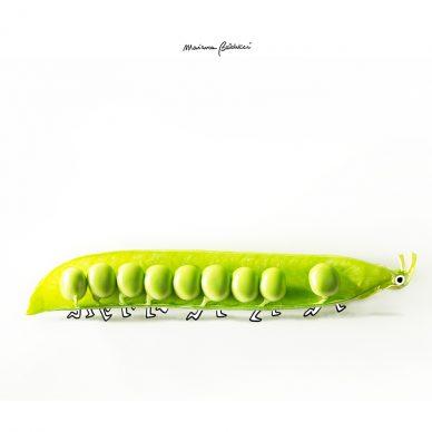 Bruco-baccello. Una illustrazione di Marianna Balducci. Courtesy l'artista