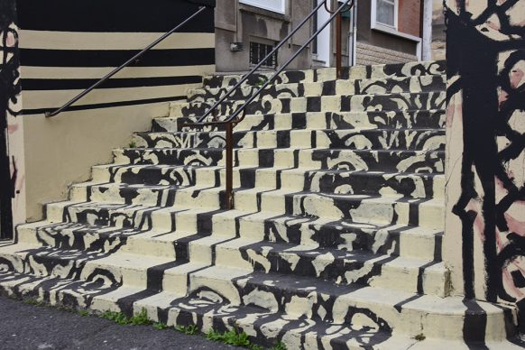 Borondo, PASSAGE. Acrylics on wall, Boulogne sur Mer (FR), 2020 © David Saint George