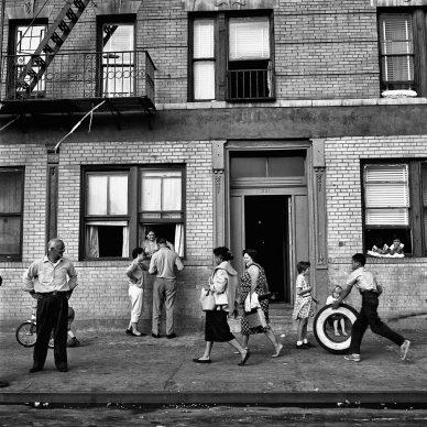 East 108th Street, New York, 28 settembre 1959 © Vivian Maier