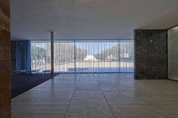 Félix González-Torres. Untitled (Loverboy) 1989, Mies van der Rohe Pavilion, Barcellona. Photo: Miquel Coll