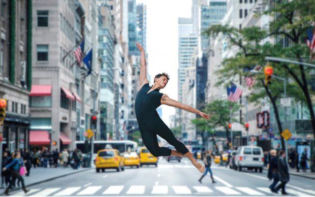 CUBAN DANCER di Roberto Salinas