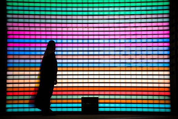 Felipe Prado, Picto Sender Machine, 2018. Steel, plexiglass, LED strips, wires, Kinect camera 400 x 400 cm. Courtesy the artist and Light Art Collection. Photo © Riyadh Art 2021