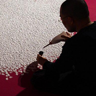 Sakura Shibefuru - Falling cherry petals - salt 2021 © 2021 Motoi Yamamoto