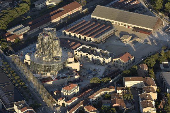 Aerial view of the site, June 2019 Luma Arles, Parc des Ateliers, Arles (France)  © Dronimages
