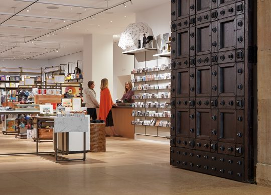 The Main Store, located in the North Lobby, is adorned with restored Tiffany doors, original to the building. Steve Hall © Hall + Merrick Photographers, 2019, courtesy Philadelphia Museum of Art, 2021.