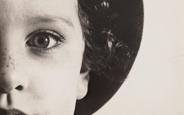 Max Burchartz, Lotte (Eye), 1928. Stampa alla gelatina ai sali d'argento, 30.2 x 40 cm. The Museum of Modern Art, New York, Thomas Walther Collection. Acquired through the generosity of Peter Norton © 2021, ProLitteris, Zürich Digital Image © 2021 The Museum of Modern Art, New York/Scala, Florence