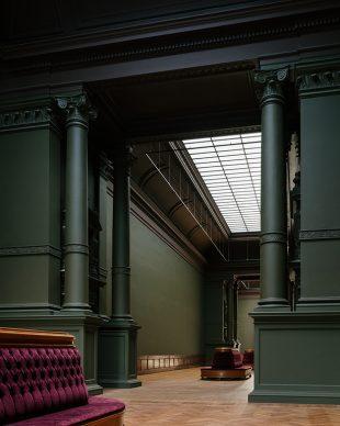 Royal Museum of Fine Arts, Anversa by KAAN Architecten. 19th-century museum exhibition halls © Stijn Bollaert