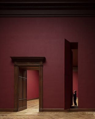 Royal Museum of Fine Arts, Anversa by KAAN Architecten. Extra-large paintings travel from the depot through an original 19th-century hatch to the upper floors. From this position and following a specific route, a track of slender vertical hatches can bring the paintings to the contiguous halls © Stijn Bollaert
