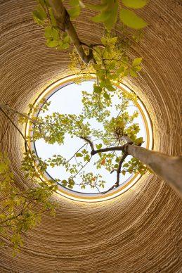 TECLA, particolare dal basso verso l'alto del lucernario della zona giorno. Photo Iago Corazza