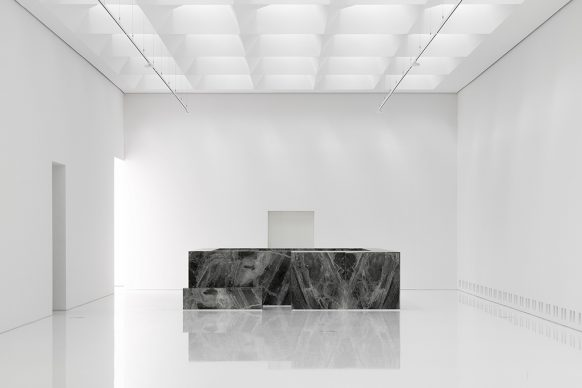 Royal Museum of Fine Arts, Anversa by KAAN Architecten. 21st-century museum exhibition hall © Sebastian van Damme