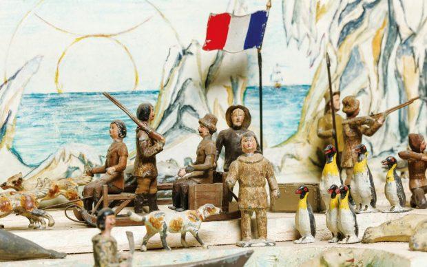 C.B.G. Mignot (Parigi 1858 - in attività). Spedizione al Polo Sud (76)1910 inv. G396; latta serigrafata, 150 × 410 × 300 Cartellini museali M 76