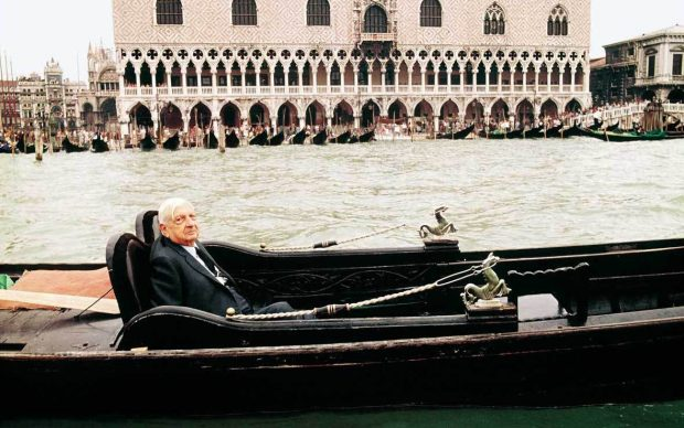 Giorgio_de_Chirico,_Venezia,_1973.©_Aurelio_Amendola