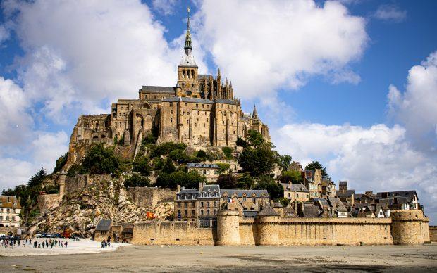 Mont Saint-Michel. Photo by Thomas Evraert on Unsplash