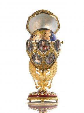 Romanov Tercentenary Egg, Fabergé. Chief Workmaster Henrik Wigstrom, 1913 © The Moscow Kremlin Museums