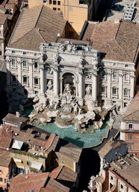 Una veduta della Fontana di Trevi, tratta dal libroRomadall'alto(Jaca Book, 2021)