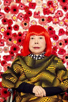Kusama in Flower Obsession, Photo by Yuzuke Miyazake © YAYOI KUSAMA 2021