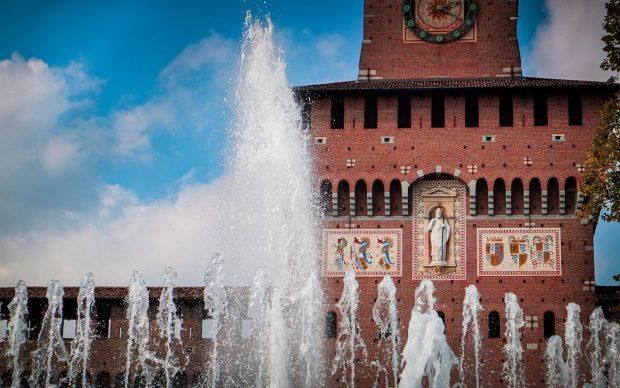 Castello Sforzesco, Milano. Photo by Joel Rohland on Unsplash