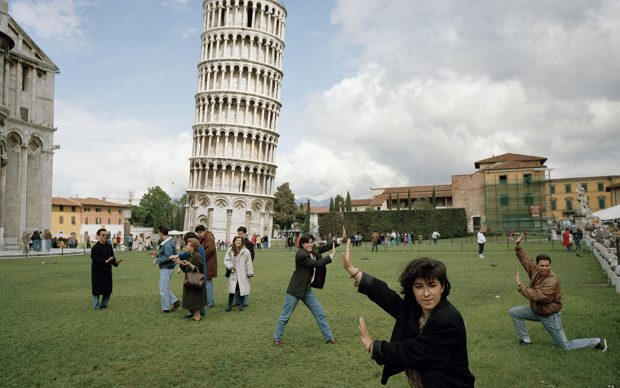 The Leaning Tower of Pisa, Italy, 1990 © Martin Parr/Magnum Photos
