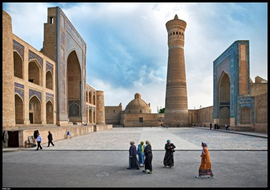 Madrasa di Mir-i-Arab e Minareto Kalon, Bukhara, 2009 © Elio Ciol