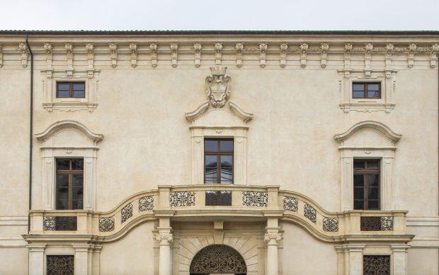 Palazzo Ardinghelli, L'Aquila. Photo Andrea Jemolo