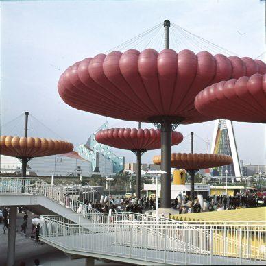 Taneo Oki et Sekkeirengo, Mushballoon, Exposition universelle d'Osaka, 1970 © Taneo Oki et Sekkeirengo © Photo courtesy of Osaka Prefectural Government