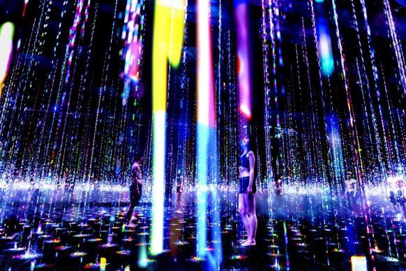 © teamLab, Ephemeral Solidified Light