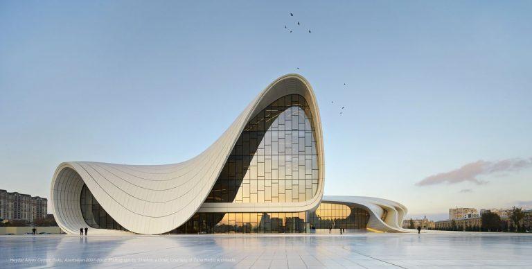 Heydar Aliyev Center, Baku, Azerbaijan 2007-2012. Photograph by ©Hufton+Crow. Courtesy of Zaha Hadid Architects